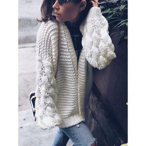 Sweaters - 🆕Presley Cream Chunky Knit Puff Sleeve Cardigan